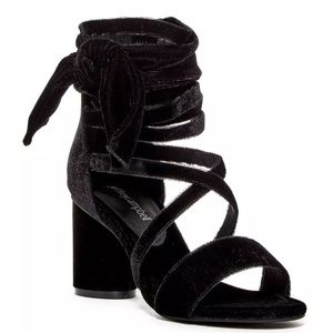 Jeffrey Campbell 8 Velvet Faustino Black Heels